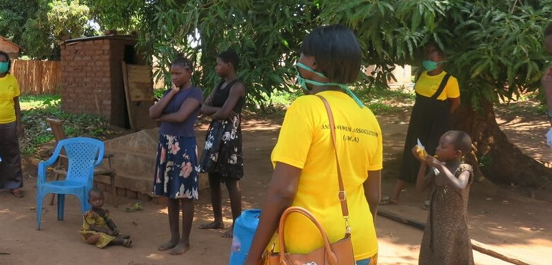 A women's Association in Yambio providing door-to-door COVID-19 awareness-raising sessions (UNMISS photo)