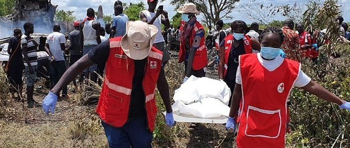 South Sudan Red Cross staff responding to a cargo plane crash in the northern part of Juba. @SSRC