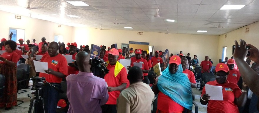 SPLM Liberation Council members in Eastern Equatoria state take the oath of office in Torit town on September 11, 2020. (Radio Tamazuj photo)
