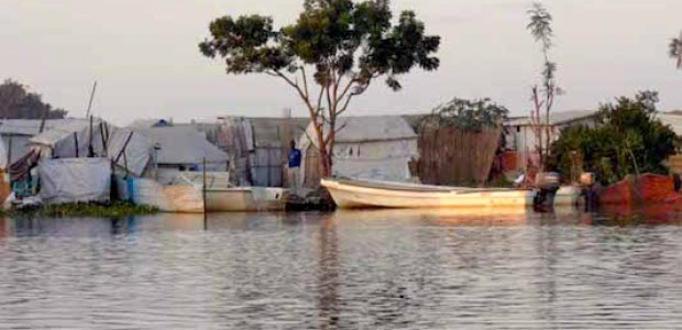 The banks of the Nile River in the Wau Shilluk region, west of Malakal, capital of Upper Nile State, November 2014. [Photo: The Niles]