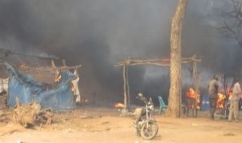 File photo: A fire at Yida refugee camp, South Sudan, March 2014 (Radio Tamazuj)