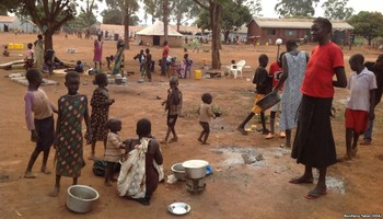 File photo: South Sudan refugees at Kiryandongo settlement camp in Uganda. (Credit: VOA)